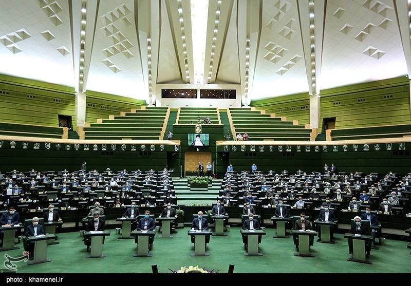 تصویر امام جمعه نطنز: حل معیشت و گرانی در اولویت نمایندگان مجلس باشد