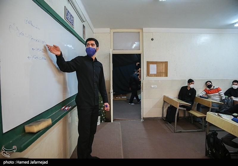 تصویر وضعیت آموزش دانشآموزان کاشانی روزانه رصد میشود