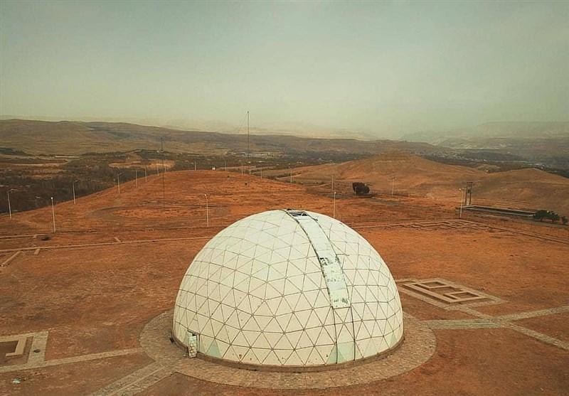 تصویر رصدخانه کاموی کاشان به مرکز تحقیقات فیزیک نظری واگذار شد