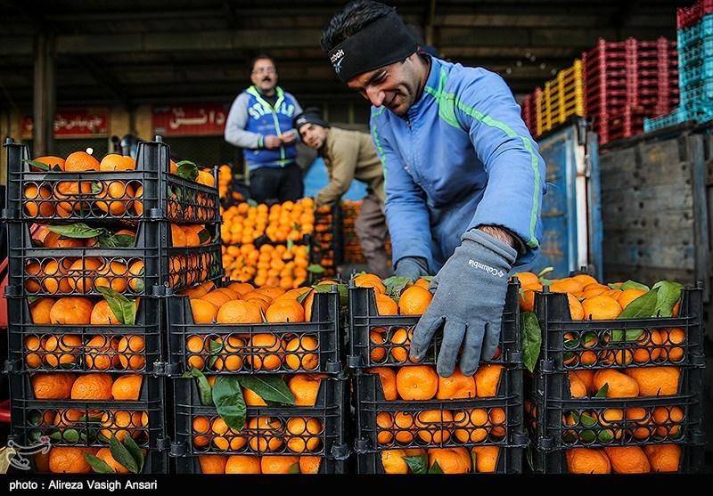 تصویر میدان میوه و تره بار اردستان معطل جهاد کشاورزی مانده است