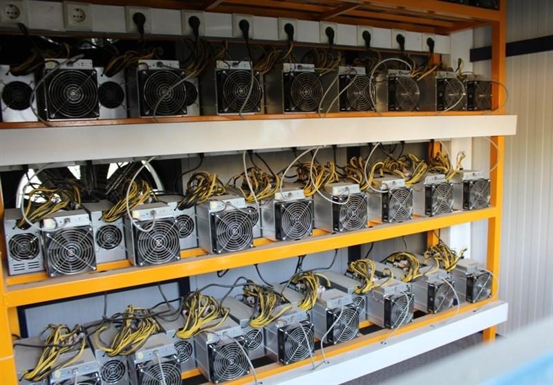 """172 دستگاه """"ماینر"""" غیرمجاز به ارزش 20 میلیارد ریال در نطنز کشف شد"""