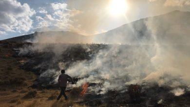 تصویر آتش سوزی گسترده در روستای ون کاشان مهار شد (+تصاویر)
