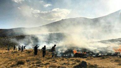 تصویر بخشی از مراتع روستای ون کاشان در آتش سوخت