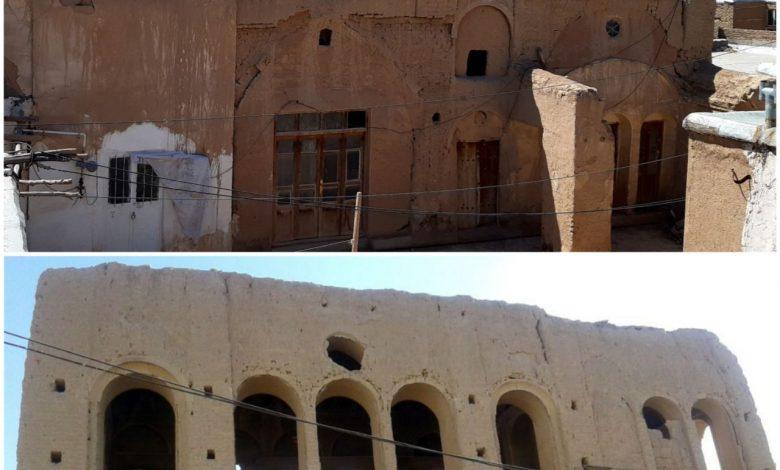 تخریب عمارت قاجاری در روستای بارونق کاشان
