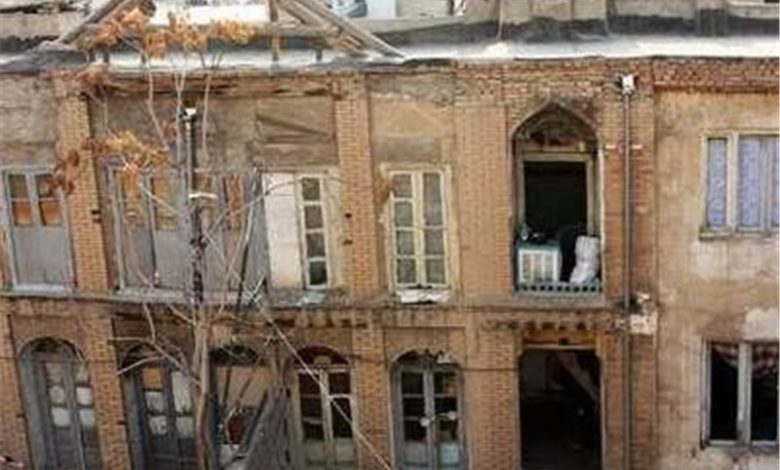 هویتی که در آران و بیدگل تخریب میشود/تخریب خانههای تاریخی در سایه سکوت مسئولان + فیلم
