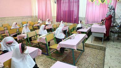 تصویر پروتکلهای بهداشتی همچنان در برخی مدارس کاشان رعایت نمیشود