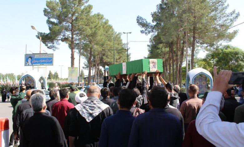 پیکر یک شهید مدافع حرم در کاشان تشییع شد
