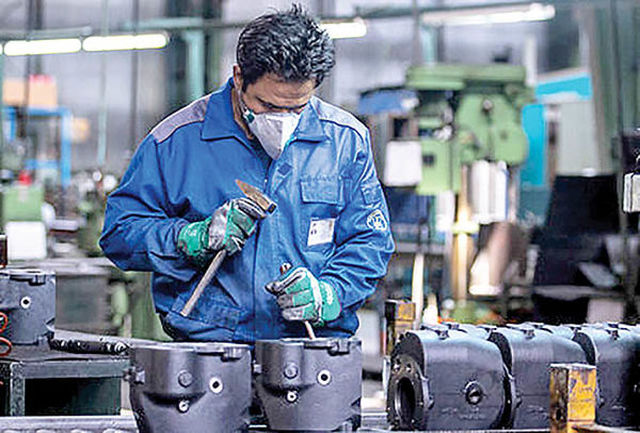کارخانجات و واحدهای تولیدی کاشان به کار خود ادامه میدهند