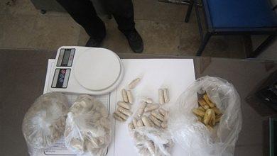 تصویر کشف یک کیلو هروئین جاسازی شده در معده دو قاچاقچی در کاشان