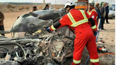 تصویر تصادف کامیون با خودرو پراید یک فوتی در پی داشت